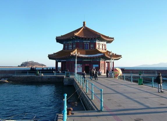 谁能给介绍下青岛旅游景点,都有哪些好玩的地方?