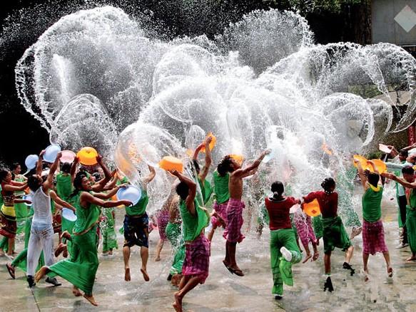 泼水节是哪个民族的节日 泼水节的习俗有哪些