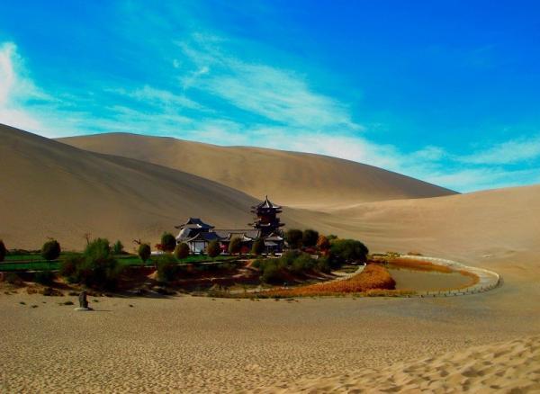 當你行走在一望無際的大漠中,這