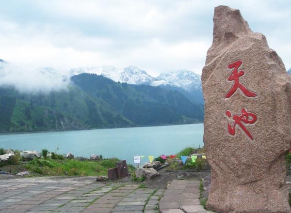 新旅游景点_【攻略】新疆旅游景点、特色美食、注意事项盘