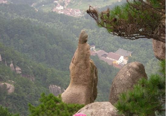这为九华山所独有,为九华山风景区增添了一道旅游的风景线.