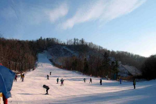 哈尔滨滑雪场