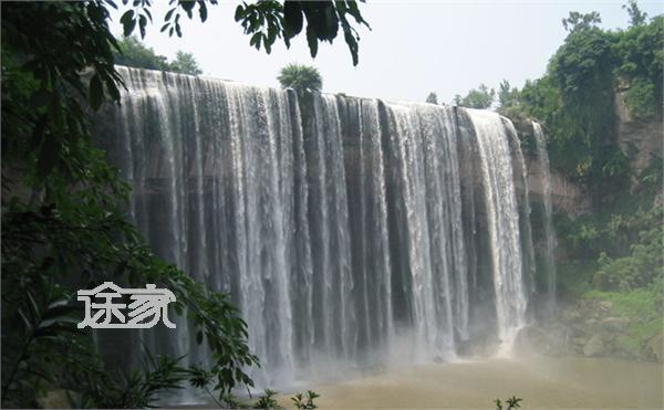 重庆旅游景点介绍:万州青龙瀑布-重庆旅游景点大全 重庆旅游景点介绍