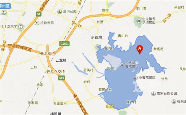 如地图所示,东钱湖的地理位置是浙江省宁波市鄞州区东钱湖镇,隶属于