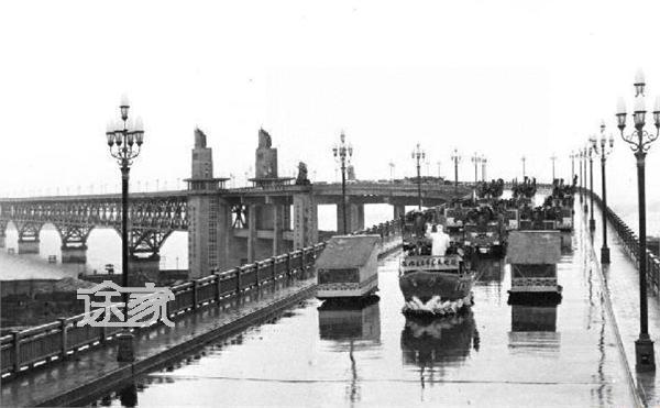 南京长江大桥卡通