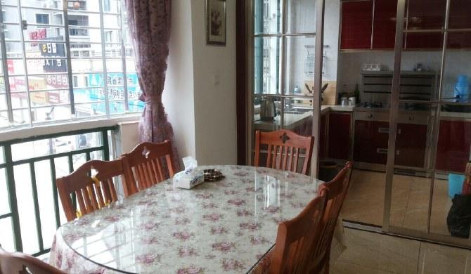 绿缘小区三室一厅一厨一卫全新精品装修