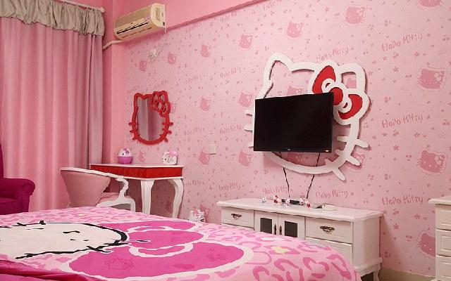 臥室貼粉色帶花的壁紙,內陽臺墻用什么顏色好看
