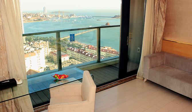 青岛市南区维多利亚高层温馨海景公寓-观景阳台